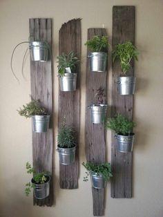 macetas decorativas en la pared