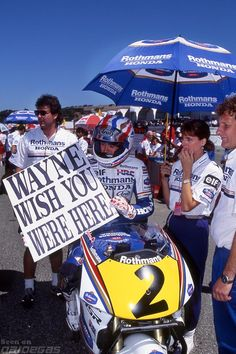 "You just do not see this kind of thing in racing any more. Imagine Rossi holding a ""Casey Come Back!"" sign on the starting grid? (Mick Doohan, Rothmans HRC-Honda 1993 US Grand Prix, Laguna Seca) Unicorn Bike, Men Are Men, Sports Personality, Motorcycle Types, Motosport, Racing Motorcycles, Vintage Racing, Road Racing, Motogp"