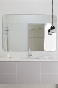 SIMPLE BATHROOM- Hertford Street House   Clare Cousins Architects