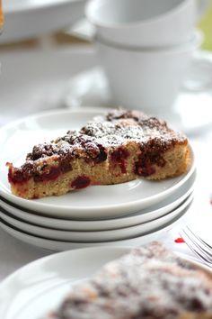 Schneller Kirschkuchen mit Schoko-Knusper-Streuseln aus Keimster Müsli I schoenesleben.net I #Kirschkuchen #Müsli