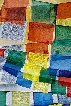 Tibetan Prayer Flags                                                                                                                                                                                 Mais