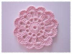 Edellisessä postauksessa lupasin tehdä   ohjeistuksen virkattuun kukkaan.   Tässä se nyt olisi:      Tässä vapaalla kädellä piirretty ohj... Diy Crochet Doilies, Crochet Home, Crochet Gifts, Crochet Motif, Crochet Yarn, Crochet Flowers, Crochet Teddy Bear Pattern, Crochet Fashion, Doilies Crochet