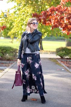 floral in fall - the stockplace dress - easy fall outfit - cute fall outfit - winter maxi dress