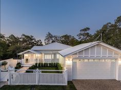 White Hamptons-style home in Brisbane Queensland house facade, Stunning Hamptons/Queenslander-Style Home in Brisbane House Design, House, House Front, House Exterior, Carport Designs, Hamptons House, Beautiful Homes, Weatherboard House, House Colors