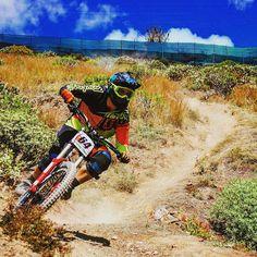 9º dh virgen de las nieves!!! Foton de mi primera carrera!!!#dh #mtb #downhill #downhillmtb #sram #specialized #sport #rockshock #gopro #goprohero3 #iphone6 #iphone #troyleedesigns #maxxis #race #racing #instagood #adrenaline #demo #demo8 #deporte #descenso #istagood #sport #epic #grancanarias #laspalmas #hobby #mtb @specialized_esp @downhilladiction @mtb_and_downhill @vitalmtb @dh_grancanaria @dhguidecanarias by niko_sevi