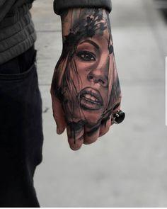25 Amazing Tattoos For Men Girl Tattoo on Hand - 25 Amazing Tattoos For Men Gir. - 25 Amazing Tattoos For Men Girl Tattoo on Hand – 25 Amazing Tattoos For Men Girl Tattoo on Hand - Baby Feet Tattoos, Daddy Tattoos, Quote Tattoos Girls, Girl Tattoos, Fist Tattoo, Chicanas Tattoo, Tattoo Hals, Girl Face Tattoo, Face Tattoos