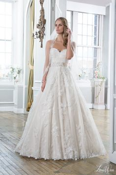 style 6386 strapless ball gown wedding dress sweetheart neckline colored base lace