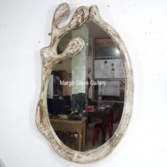 Size: 120 cm x 70 cm The post MG 030039 White Rustic Frame Mirror first appeared on Venetian Wall Mirror - Antique Venetian Mirror - Furniture Mirror Supplier.