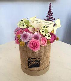 Planter Pots, Instagram Posts, Flowers, Gifts, Presents, Favors, Royal Icing Flowers, Flower, Florals