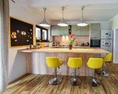 #Ukitchen #Ushapedkitchen #modernkitchen #kitchendesign #kitchenfurniture #kitchenideas #KUXAstudio #KUXA #KUXAkitchen #bucatariemoderna #bucatarieU U Shaped Kitchen, Accent Colors, Traditional, Bar, Furniture, Studio, Kitchens, Design, Home Decor