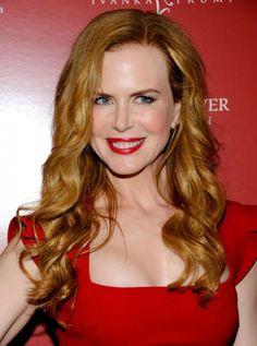 Nicole Kidman: Red Lipstick on Pale Skin