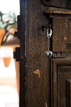 Brelok - zegar, serce - DECO Salon. Keychain has the form of hearts on a chain. #mothersday #dlaniej #forher #giftidea #accessories