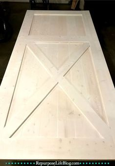 A simple step-by-step how to make a sliding barn door. - A simple step-by-step how to make a sliding barn door. Barn Door Closet, Sliding Barn Door Hardware, Diy Barn Door, Sliding Doors, Door Hinges, Making Barn Doors, Building A Barn Door, Make A Door, Barn Door Designs
