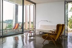 Modern vacation rental in Italy - http://www.interiordesign2014.com/interior-design-ideas/modern-vacation-rental-in-italy/