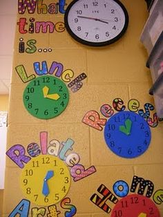 no more asking me what time lunch or gym happen!!!! Love this idea for visual schedule and teaching time