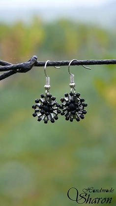 Sharon.handmade / Mini čierne minimalistic handmade earrings, seedbeads used in bead embroidery, elegant and cute jewellery