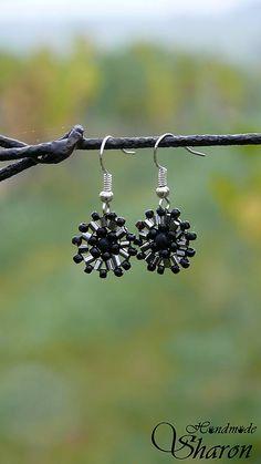Sharon.handmade / Mini čierne minimalistic handmade earrings, seedbeads used in bead embroidery, elegant and cute jewellery