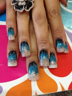 Nail art In teal blue and silver Silver Acrylic Nails, Blue And Silver Nails, Purple Manicure, Funky Fingers, Great Nails, Fall Nails, French Nails, Pedi, Teal Blue