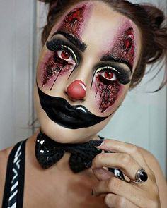 Creepy Clown Halloween Make-up - Halloween Costumes Clown Halloween Costumes, Creepy Halloween Costumes, Cool Halloween Makeup, Halloween Inspo, Halloween Looks, Halloween 2018, Halloween Dress Up Ideas, Clown Costume Women, Halloween Circus