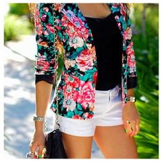 A huge fan of floral, and I really like this outfit combination.