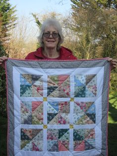 Chris with her fabulous quilt, made on a Quilt in a Weekend course - just love those mustard cornerstones! Well done - it's really beautiful. Square Quilt, Just Love, Squares, Mustard, Students, Colours, Quilts, Blanket, How To Make