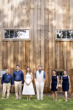Love this rustic shot of the wedding party | Sknow Photo by Sarah Mitchell