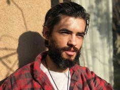 Aktori shqiptar publikon imazhe nga xhirimet me aktorët e njohur turq Beard No Mustache, Handsome, Actors, Guys, Men, Fictional Characters, Beards, Fantasy Characters, Sons