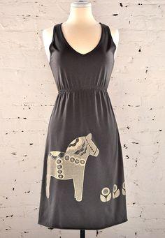 dala horse dress.
