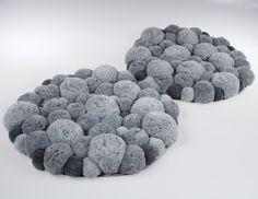 Fluffy Pom Pom Rug - Round Mat - Grey Pompom - Carpet of Pompon - Yarn Pom Pom - Bedroom Rug - Bed rug - Bedroom Decoration