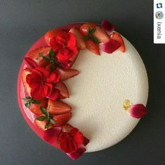 Elegant and simple modern cake