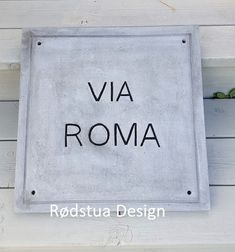 Skilt laget i betongleire Signs, Home Decor, Sculpture, Decoration Home, Room Decor, Shop Signs, Home Interior Design, Sign, Home Decoration