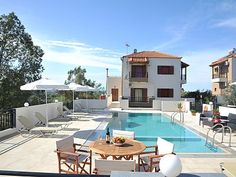 Rethymno villa rental - Villa Maria-The pool also has a special children's compartment! Old City, Villas, Mansions, House Styles, Building, Holiday, Home, Vacations, Old Town