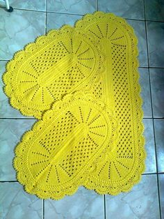 Boa tarde ❤️ Siga o nosso perfil tapetedecroche tapetedecrocheredondo tapetedecrochebarbante tapetedecrochequadrado tapetedecrocheoval tapetedecrochecozinha tapetedecrocheredondopassoapasso tapetedecrocheredondoinfantil tapetedecrocheredondosimple Crochet Table Mat, Crochet Pillow, Crochet Home, Irish Crochet, Thread Crochet, Crochet Doilies, Diy And Crafts, Crafts For Kids, Crochet Projects
