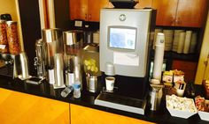The Westin Los Angeles Airport Review Kaffeemaschine Lounge
