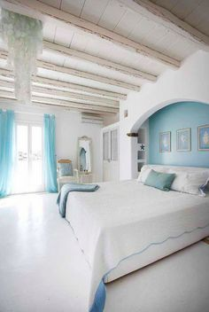 Love the ceiling and beachy colors
