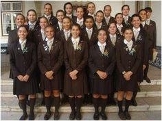 11 SET 2013 - Cerimónia de imposição de insígnias a alunas do 12.º ano do Instituto de Odivelas (IO). Como é tradição, a Comandante de Batalhão leu, na ocasião, o Código de Honra do IO - em Instituto de Odivelas.