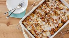 Assemble this cinnamon roll casserole the night before so it's ready to bake in the morning. It's easy to make and so tasty! Overnight Breakfast, Breakfast Bake, Breakfast Casserole, Italian Breakfast, 3 Quart Baking Dish, Glass Baking Dish, French Toast Bake, How To Cook Sausage, Brunch Party