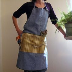 aprons made from jeans | Gardening apron made out of old jeans. | Re- and upcycling