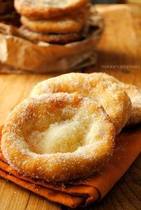 frittelle del lunapark, the carnival pancakes, recipe without leavening (In Italian) Italian Desserts, Just Desserts, Italian Recipes, Delicious Desserts, Dessert Recipes, Yummy Food, Healthy Food, Sweet Recipes, Sweet Tooth