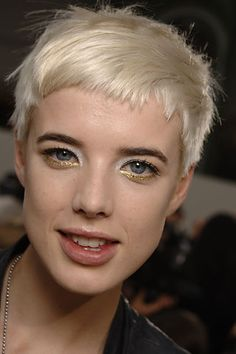 Agyness Deyn is sporting short hair and it totally works for her! She looked profound, unconventional elegance in this dress with short hairstyle. Short Hair Styles, Hairstyle, Super Short Hair, Very Short Haircuts, Hair, Hair Styles, Hair Inspiration, Hair Pictures, Short Hair Pictures