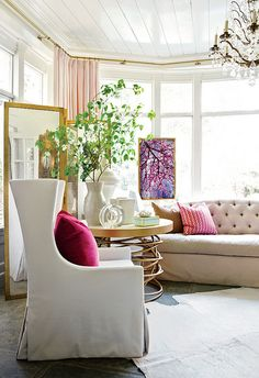 Living Room - Pink Pillow Pop