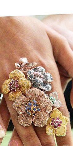 Award winning ring Blossoming Since 1730' designer ring by L' Dezen