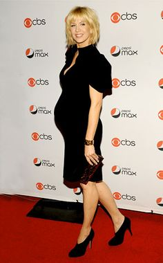 Jenna Elfman from Celeb Baby Bumps