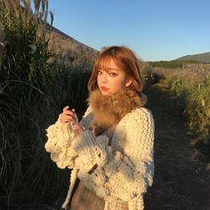 ♡ Korean Girl, Asian Girl, Asian Bangs, Asian Cute, Shy Girls, Korean Aesthetic, Female Poses, Ulzzang Girl, Pretty Woman