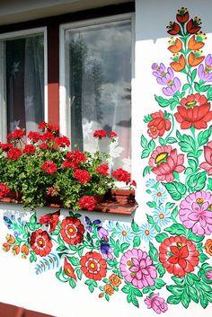 Resultado de imagen para casas floreadas de zalipie polonia