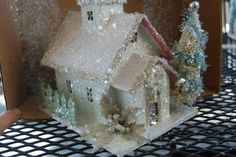 Do-it-yourself glittered Christmas houses