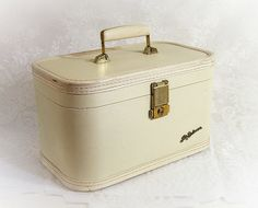 Lady Baltimore Luggage 1950s Vintage Train Case ... lux white! Mine was dark green .. Wish I'd kept it !!!