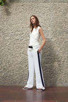 Victoria Victoria Beckham Spring 2017 Ready-to-Wear Collection Photos - Vogue