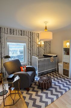 Nature Inspired Nursery - adore this forest-inspired wallpaper accent wall! #nursery
