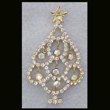 Unusual Vintage Christmas Tree Brooch Dangling Rhinestones